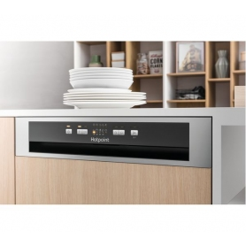 Hotpoint HBC2B19X Built In Semi Integrated Dishwasher - 1